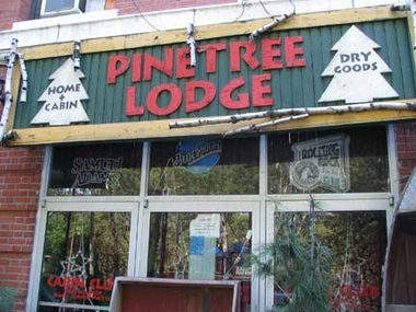 Pinetree Lodge