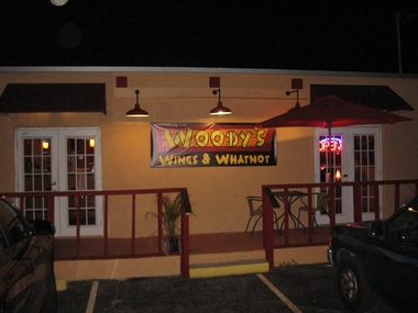 Woody's Wings & Whatnot