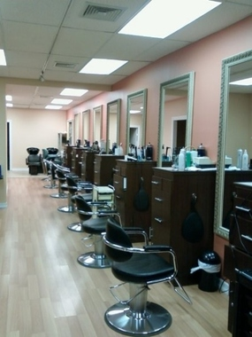 Gaby&#039;s Place Unisex Hair Salon