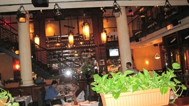Papa Razzi Trattoria &amp; Bar