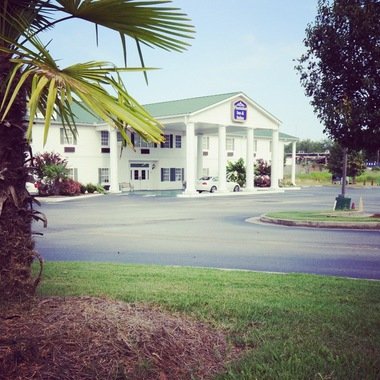 Plantation Inn & Suites Jackson