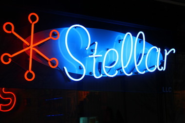 Stellar Pizza , Ale & Cocktails