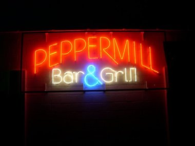 Peppermill Lounge South