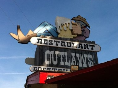 Outlaws Bar &amp; Grill